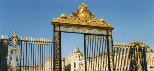 gate_to_versailles